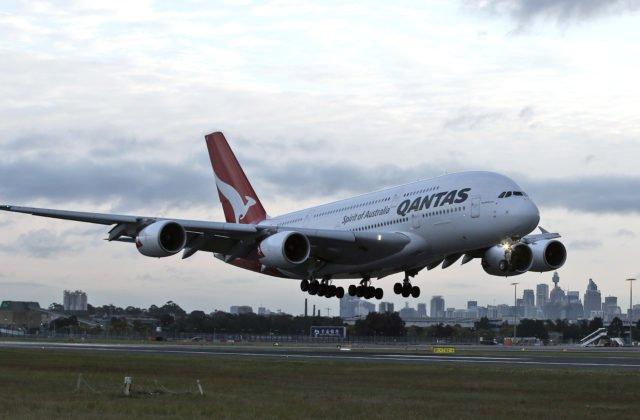 Aerolinka Qantas pre koronavírus redukuje lety do Ázie a očakáva nižšie zisky