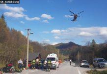Foto: Mladík na BMW zrazil muža ležiaceho na ceste, o život prišiel aj motorkár na Kawasaki