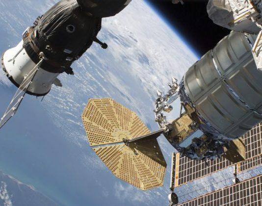Rusko pošle na Medzinárodnú vesmírnu stanicu dvoch kozmonautov