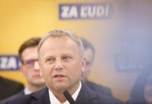 Kandidát Kiskovej strany Ledecký robil predvolebnú kampaň za obecné peniaze, tvrdí Transparency