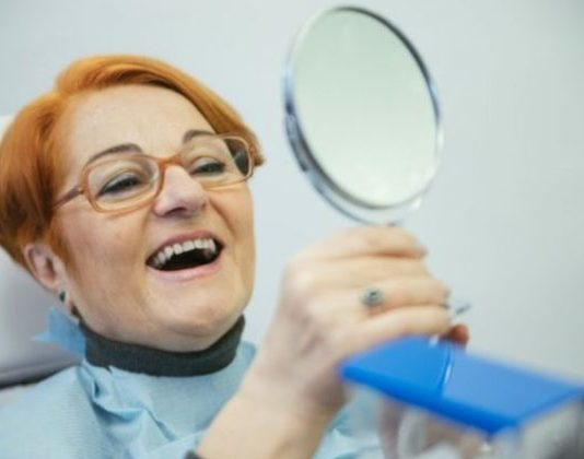 Aj o tretie zuby sa treba starať, predĺžite tak ich životnosť