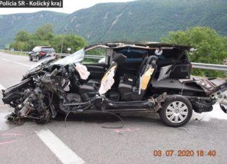 Vodička na Sharane spôsobila hromadnú nehodu, prešla do protismeru a zrazila sa s piatimi autami (foto)