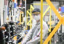 Trnavská automobilka Groupe PSA sa nedohodla s odborármi, vyššie mzdy sú otázne