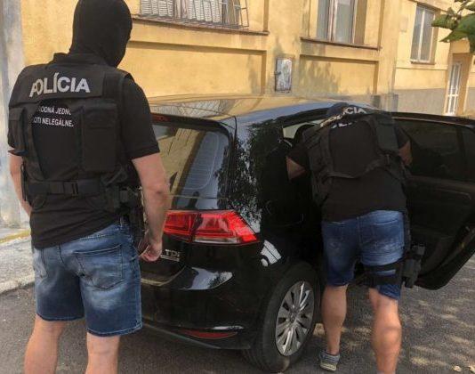 Polícia obvinila dvoch Slovákov z obchodovania s ľuďmi, ich obetiam sa podarilo ujsť